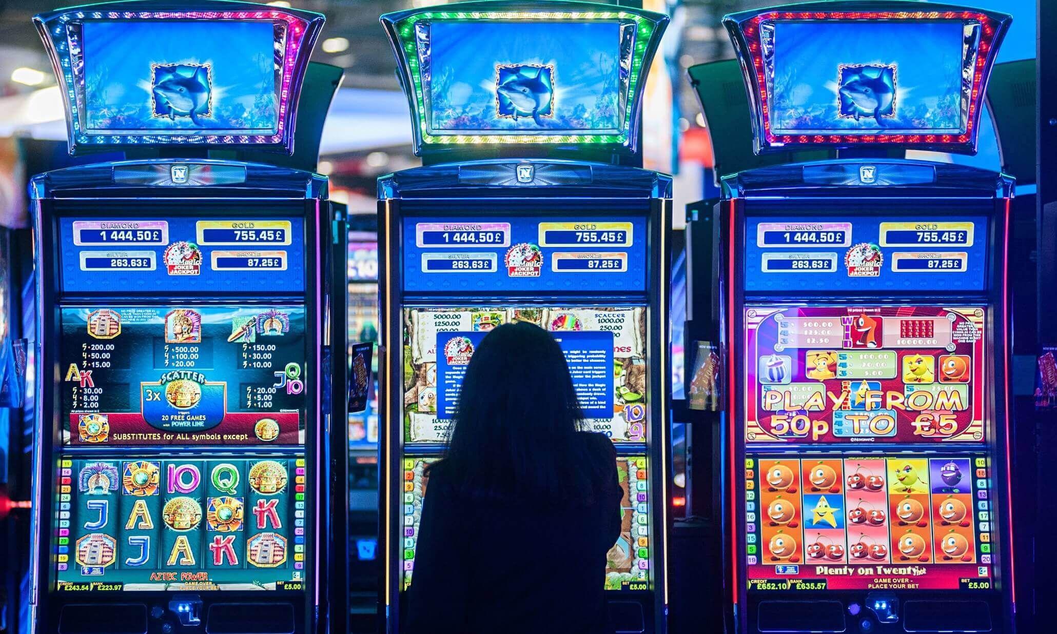 Игровые автоматы онлайн на реальные деньги скачать бесплатно на игровые автоматы играть выводом денег slotmachonoff pro